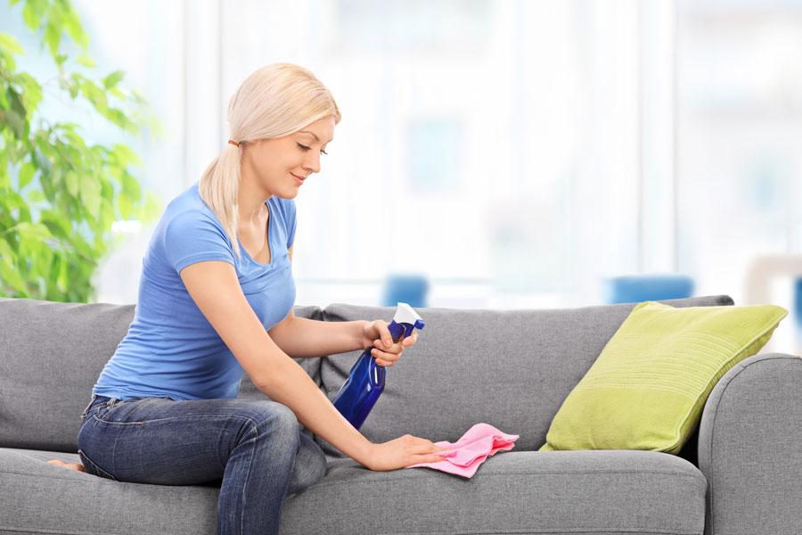 C mo limpiar tapizados y telas con productos naturales - Limpiar sofa tela ...