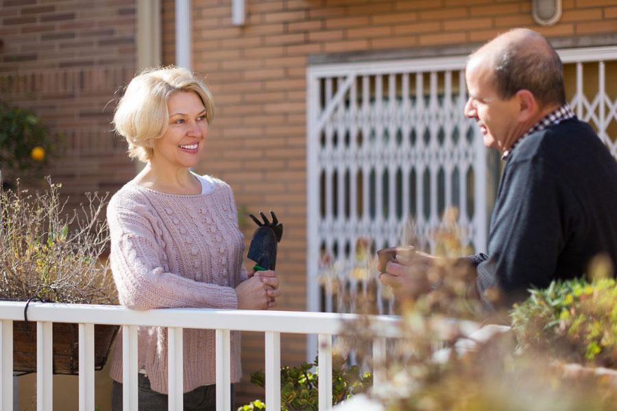 Cómo Solucionar un Conflicto con el Vecino