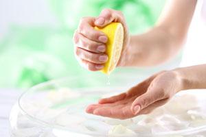 Cómo blanquear las uñas con limón