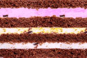 Postre helado de varios colores