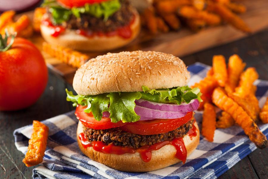 Recetas de hamburguesas caseras y saludables. Ingredientes para preparar hamburguesas caseras. Tips para hacer hamburguesas en casa