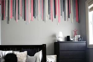 C mo decorar una pared vac a con telas y cintas for Murales de tela para pared