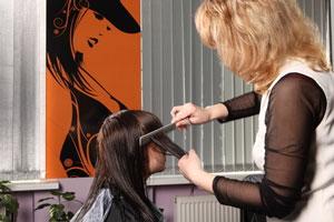Tratamiento para alisar el cabello con keratina. Cómo alisarte el cabello con keratina en casa. Método para alisar el cabello en casa con keratina