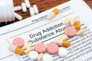 Cómo ayudar a un adicto a las drogas