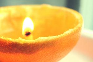 Cómo hacer velas orgánicas con naranjas