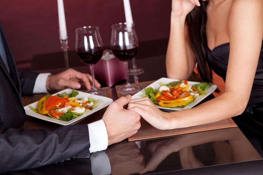 Menú completo para una cena romantica. Qué cocinar para una cena romántica. cómo hacer una cena romántica con tu pareja