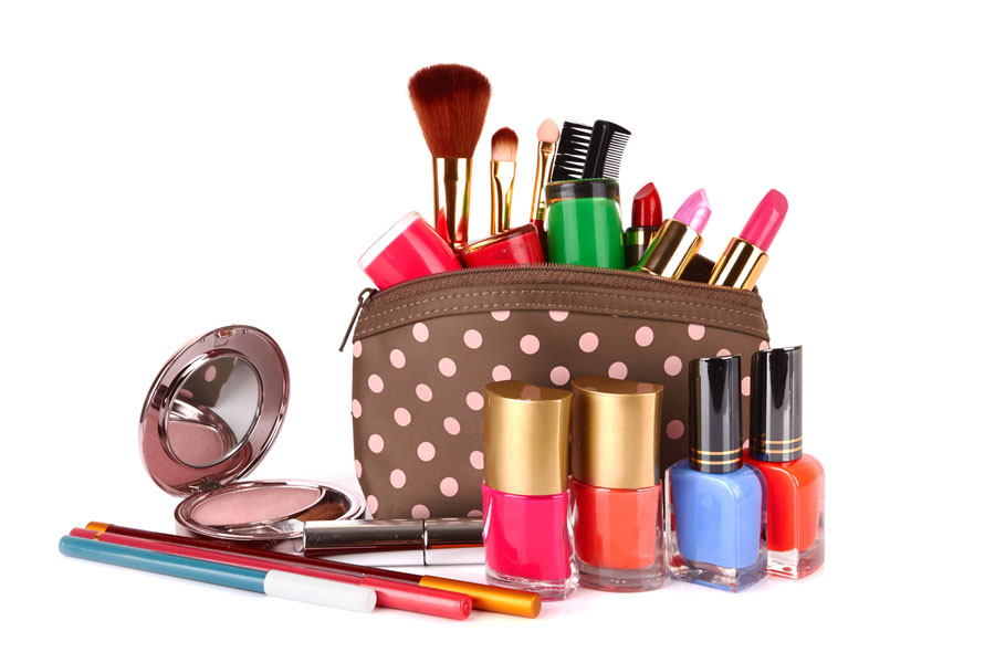 Ordena el kit de maquillaje de tu bolso