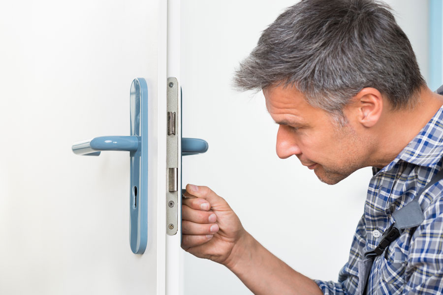 Cómo reparar una cerradura