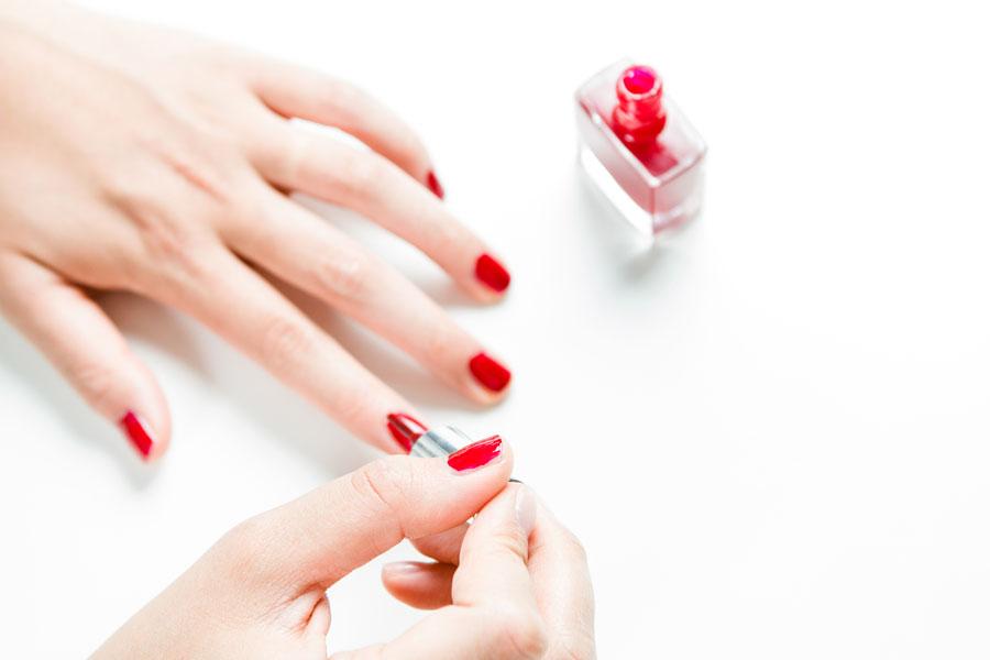 Cómo pintar las uñas en degradado