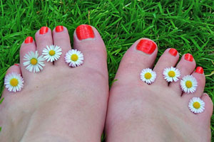 Cómo eliminar los hongos en las uñas de los pies