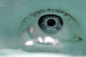 lentes de contacto toricos: