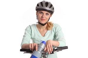 Cuidados del cabello al usar casco si eres mujer