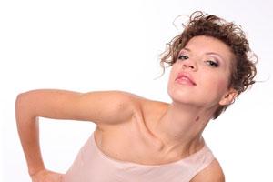 Cómo lucir un cabello corto y con rulos