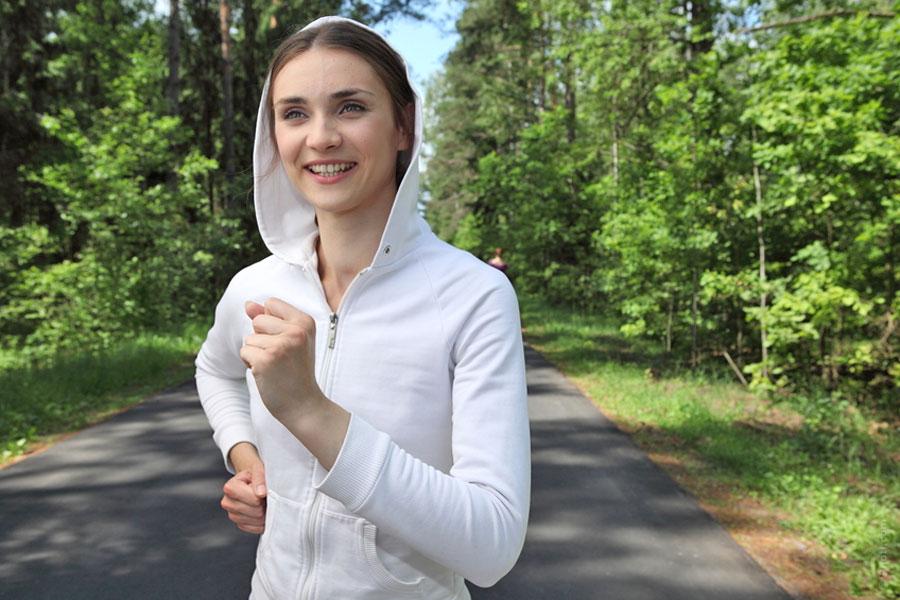 Consejos para empezar a correr. Trucos y sugerencias si vas a empezar a salir a correr. Practicando running y una buena rutina para correr