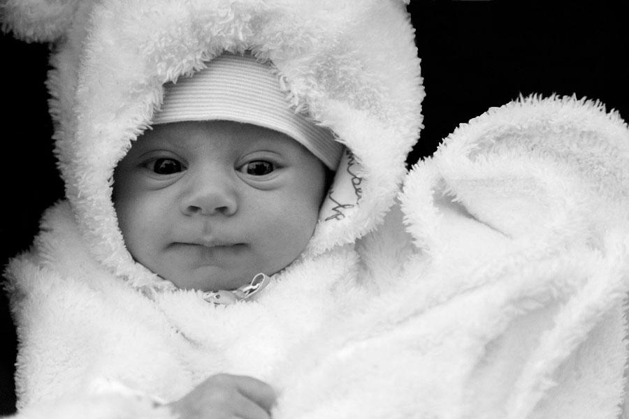 Guía para saber si tu bebé tiene frío o calor. Claves para saber si tu bebé tiene frío. Cómo medir la temperatura del bebé para saber si tiene frío