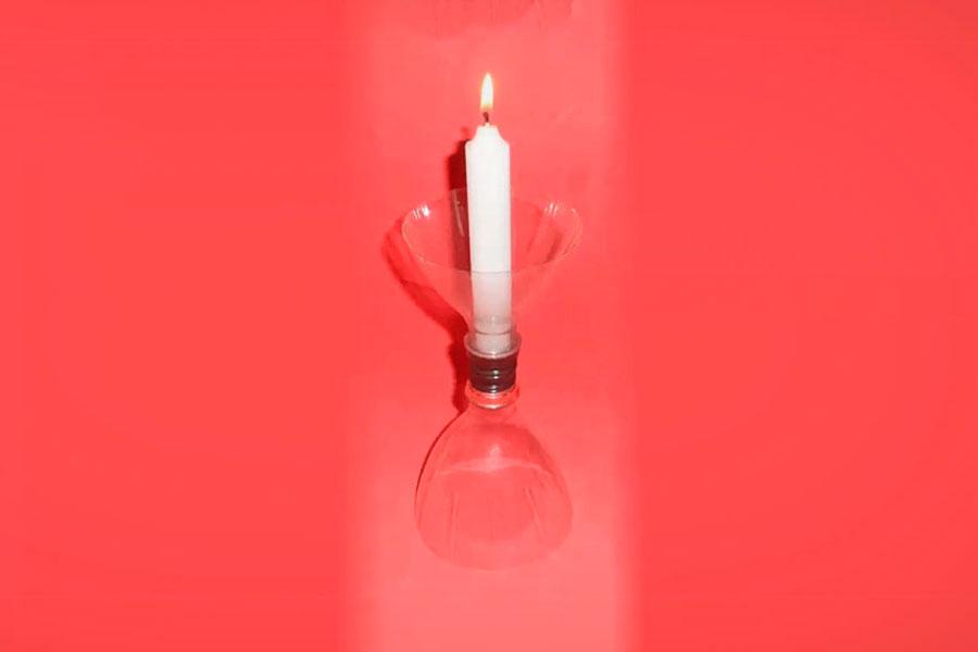 Crea un candelabro con botellas de pl stico - Que se puede hacer con botellas de plastico ...
