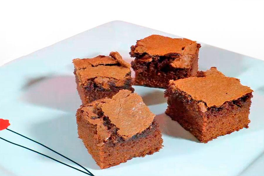 Receta de brownies caseros. como hacer brownies. Paso a paso, cómo hacer brownies caseros. Receta de brownies facil y rápido