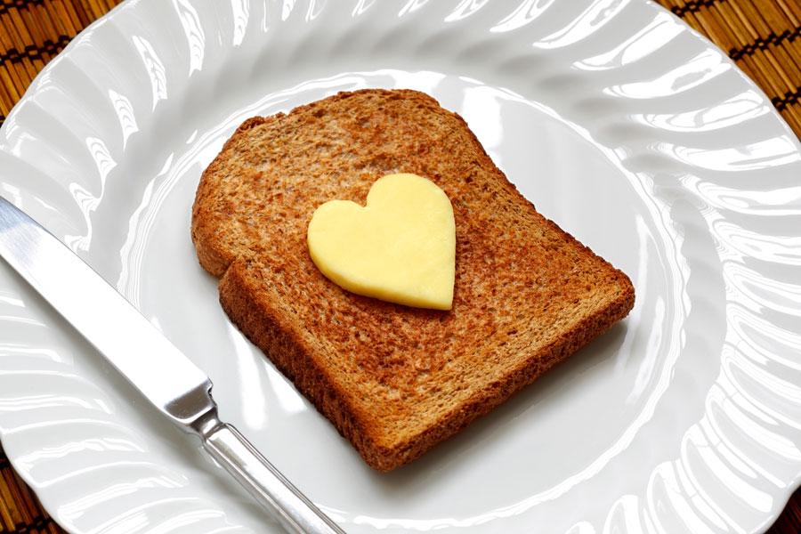 Cómo elegir entre mantequilla o margarina. Cuál es mejor, manteca o margarina? Qué usar al cocinar, mantequilla o margarina?