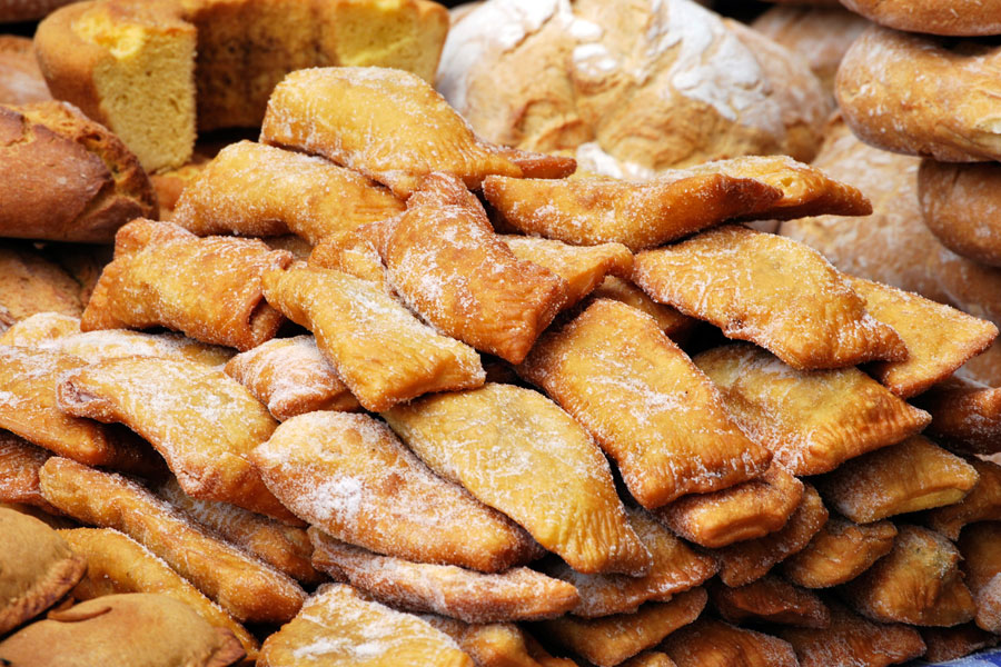 Guía para preparar casadielles asturianas. Ingredientes y preparación de las casadielles asturianas. Receta clásica para hacer casadielles asturianas