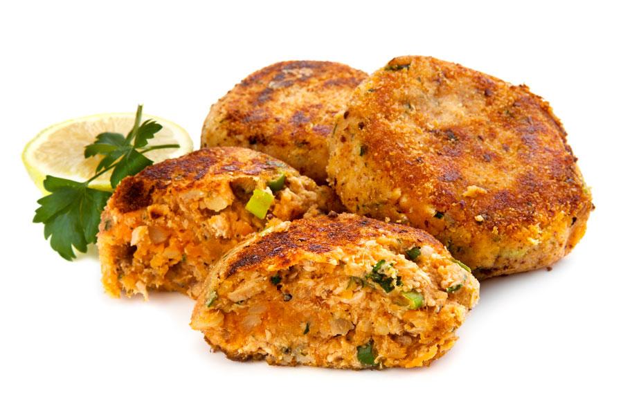 Cómo preparar hamburguesas caseras de ave, pescado y otras. Recetas para hacer hamburguesas caseras diferentes. Hamburguesas de ave y pescado caseras