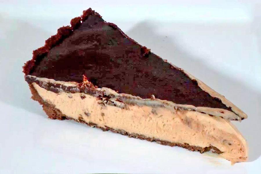 Ingredientes y preparación para hacer una torta helada de dulce de leche. Cómo hacer un postre helado estilo torta de dulce de leche