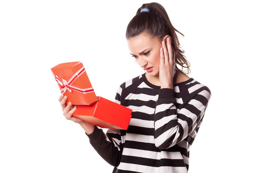 Cómo actuar para agradecer regalos. Qué hacer si un regalo no nos gusta. Tips para mostrar agradecimiento por un obsequio