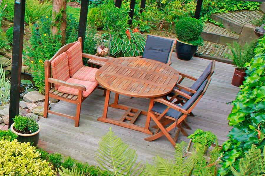 C mo elegir los muebles de jard n for Muebles de jardin mesas y sillas