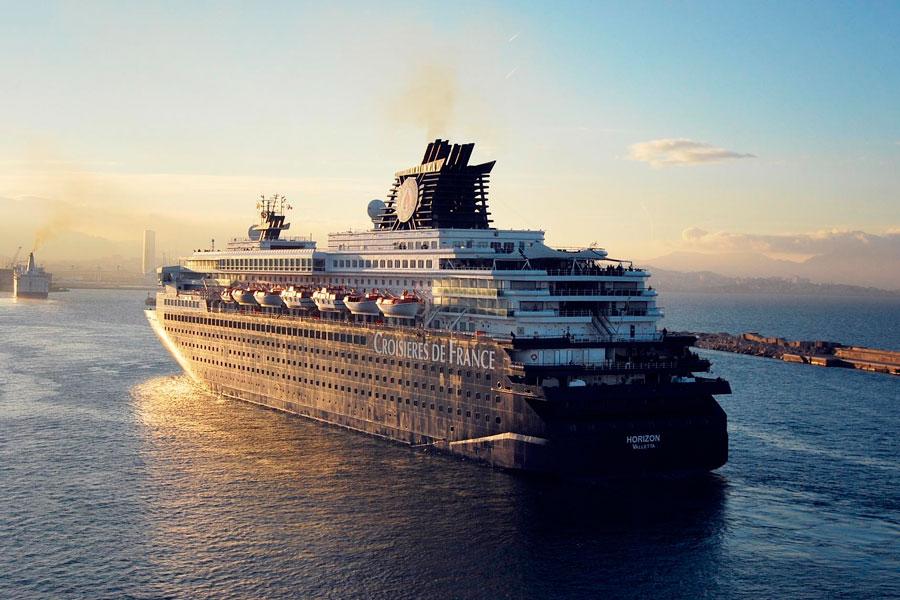 Consejos para organizar un viaje en crucero. Cómo planificar unas vacaciones en crucero. Qué debes tener en cuenta al armar un viaje en barco