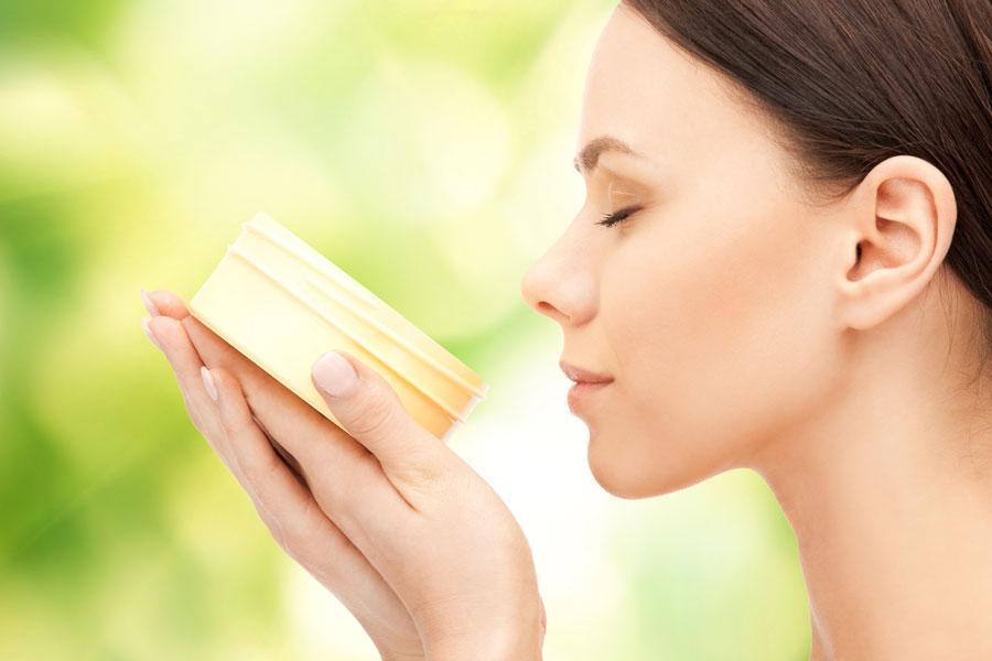 Recetas caseras para hacer cremas contra las arrugas. Cremas antiarrugas para hacer en casa. Ingredientes y elaboración de cremas antiarrugas caseras