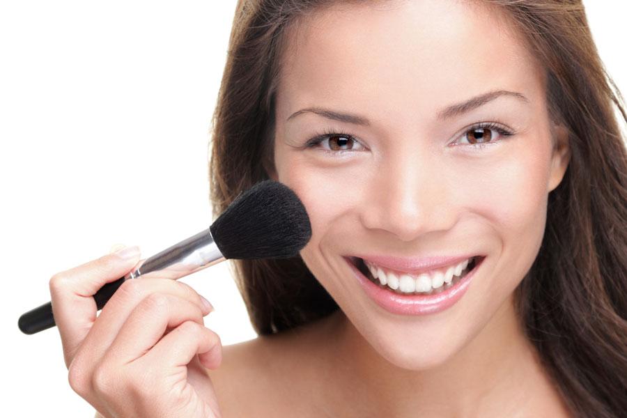 Cómo elegir y usar la base de maquillaje. Consejos para usar la base de maquillaje. Como escoger el color de la base de maquillaje