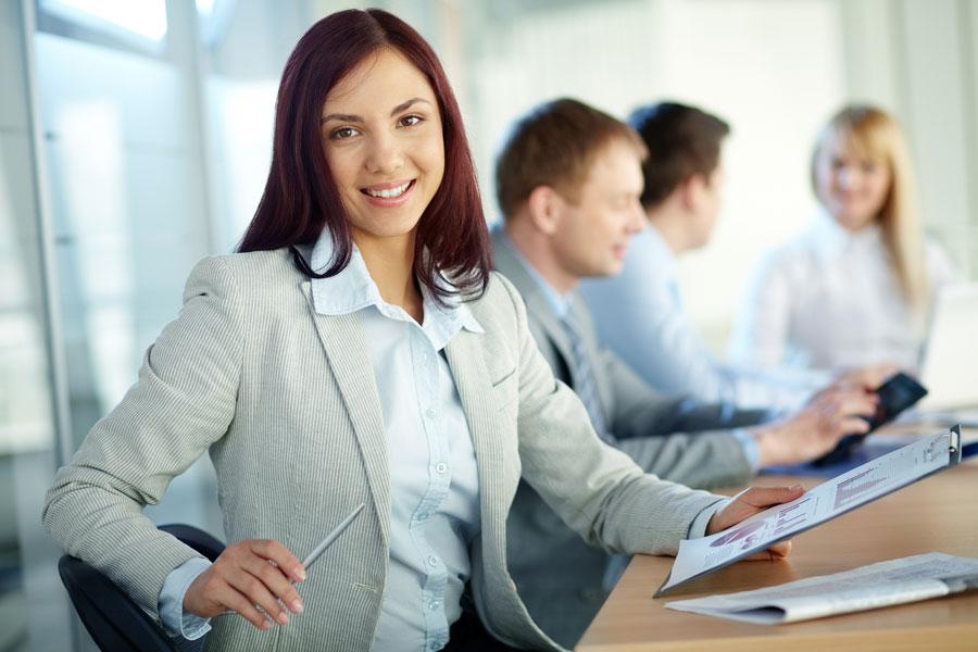 Cómo lucir bien en el trabajo. Consejos para vestirse bien en el trabajo. Tips para verse bien en el trabjao. Claves para verse bien en la oficina