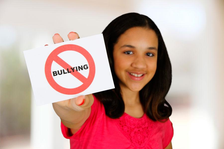 Señales para saber si mi hijo sufre de bullying. Cómo saber si mi hijo esta siendo acosado en la escuela. Mi hijo sufre acoso en la escuela