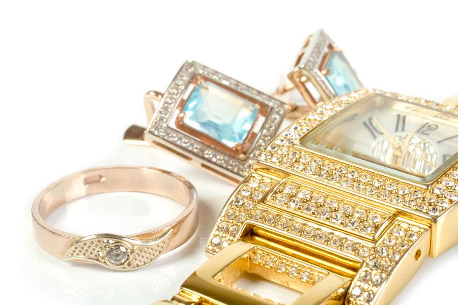 Guía para saber si una joya es real o imitación. Cómo descubrir si una joya es real o no. Técnicas para saber si tus joyas son reales.