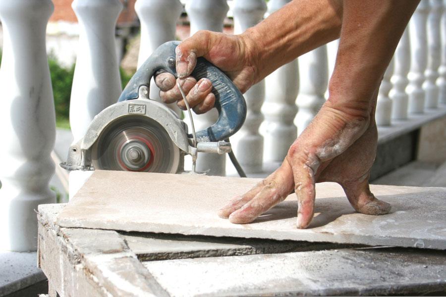 Técnica simple para cortar cerámicos y azulejos. Cómo taladrar azulejos. Guía para cortar azulejos sin problemas. Métodos para cortar cerámicos