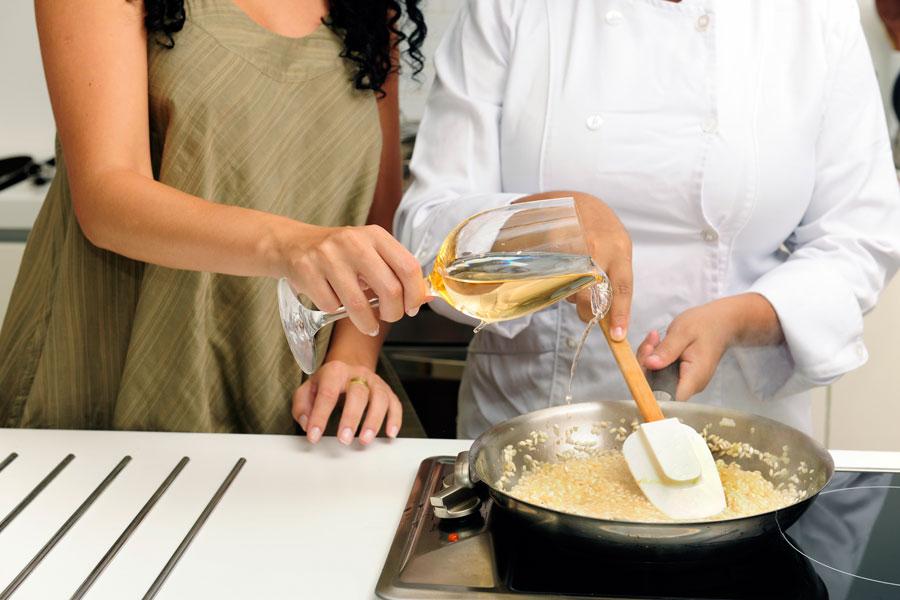 Tips para reemplazar ingredientes de cocina. Cómo reemplazar ingredientes comunes. Reemplazar leche, huevos, harinas por otros ingredientes