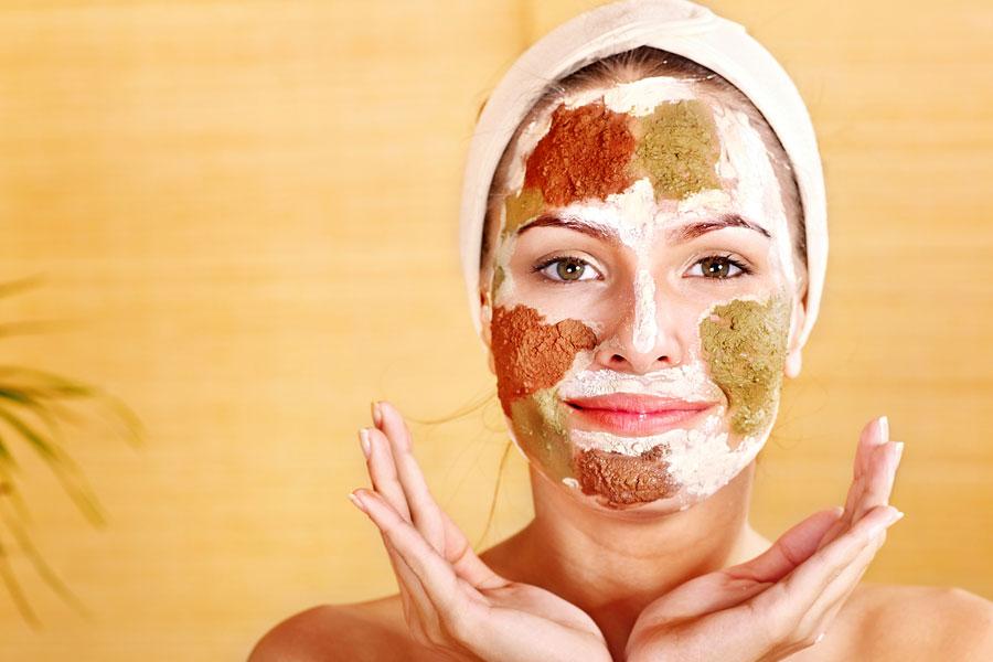 Cómo eliminar las manchas en la piel con mascarillas caseras. Recetas de mascarillas caseras para quitar las manchas en la  piel
