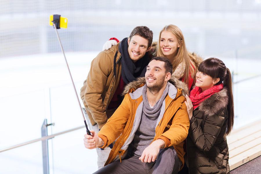 Cómo sacar fotos con un selfie stick. Cómo usar un palo para selfies. Consejos a la hora de usar un bastón para selfies.