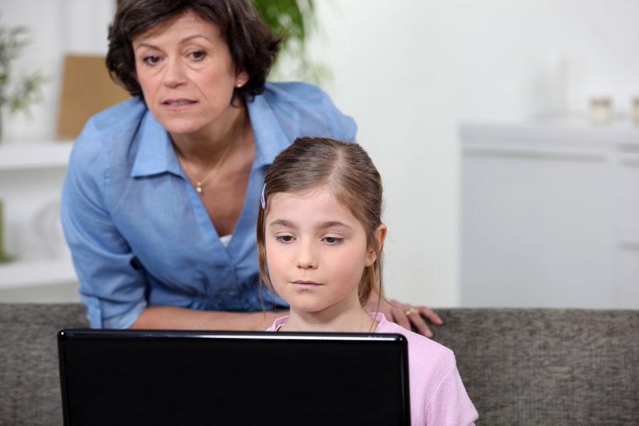 La mejor aplicacion de control parental para android. Cómo controlar lo que hacen los niños con el teléfono. App de control parental para Android