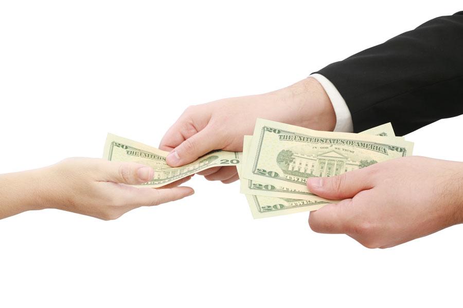 Claves para prestar dinero a familiares o amigos. Reglas para prestar dinero a un amigo o familiar. Cómo evitar problemas al prestar dinero