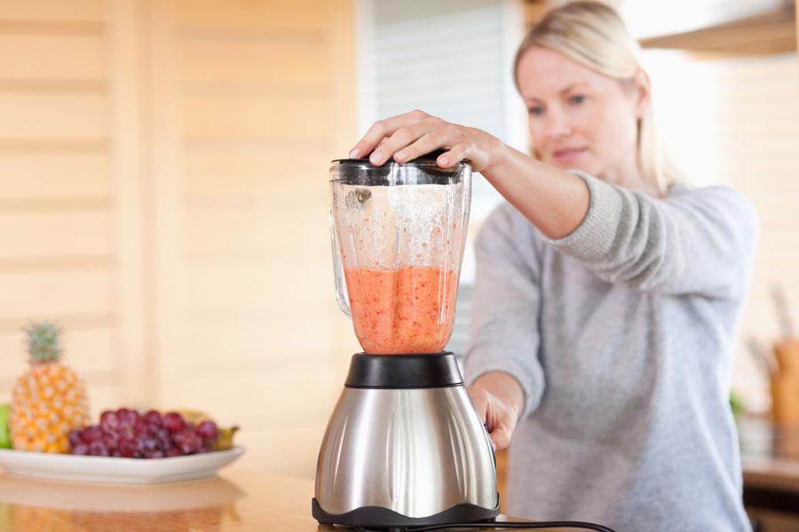 Jugos y batidos para reducir el colesterol. Cómo combatir el colesterol con batidos y jugos saludables. Recetas de batidos para bajar el colesterol