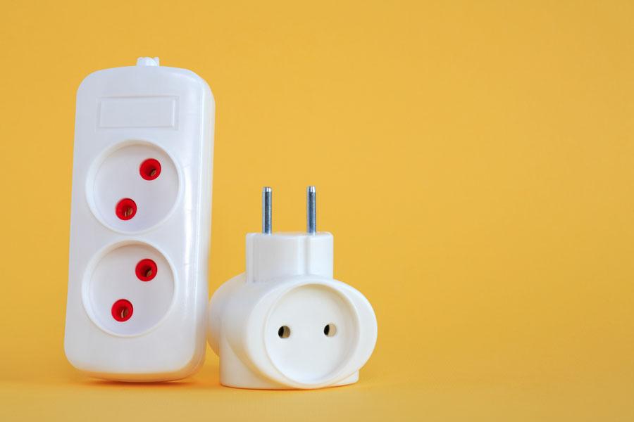 Guía de voltaje y enchufes por país. Cómo conectar dispositivos en un viaje. Qué enchufes se usan en el extranjero? Enchufes y voltaje por país