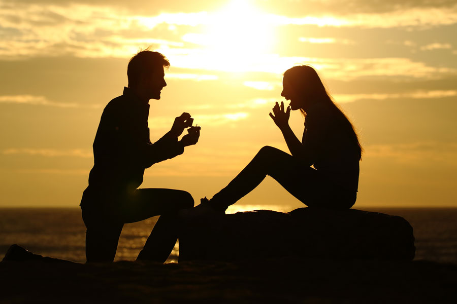 Cómo pedir matrimonio de forma creativa. Ideas originales para pedir la mano. Cómo pedirle la mano a tu pareja de manera original