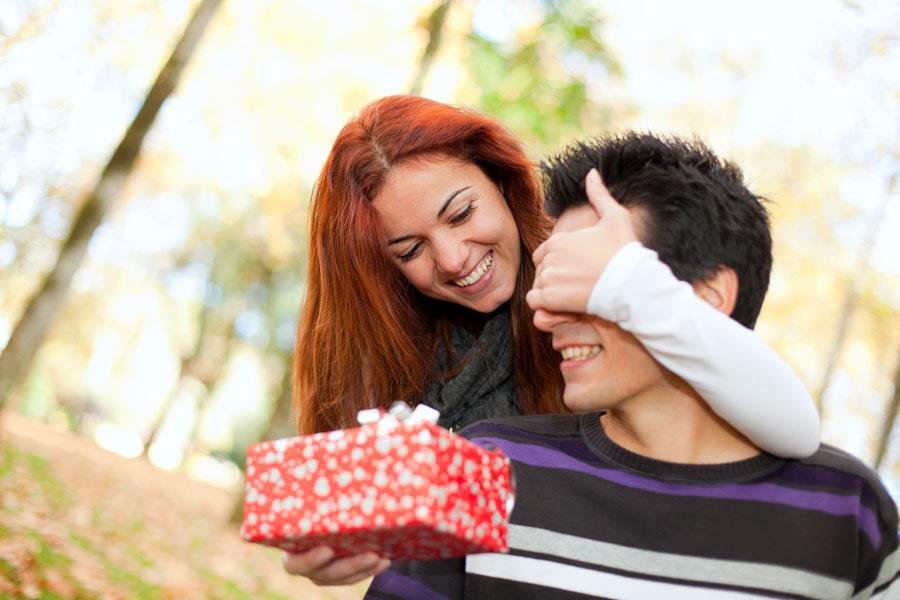 Ideas simples para sorprender a tu pareja. Cómo sorprender a tu pareja con ideas románticas. Pequeños regalos románticos para tu pareja