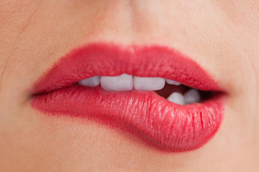 Recetas de bálsamos labiales saborizados. cómo hacer labiales caseros con sabor a vainilla, chocolate o miel. Bálsamos caseros saborizados