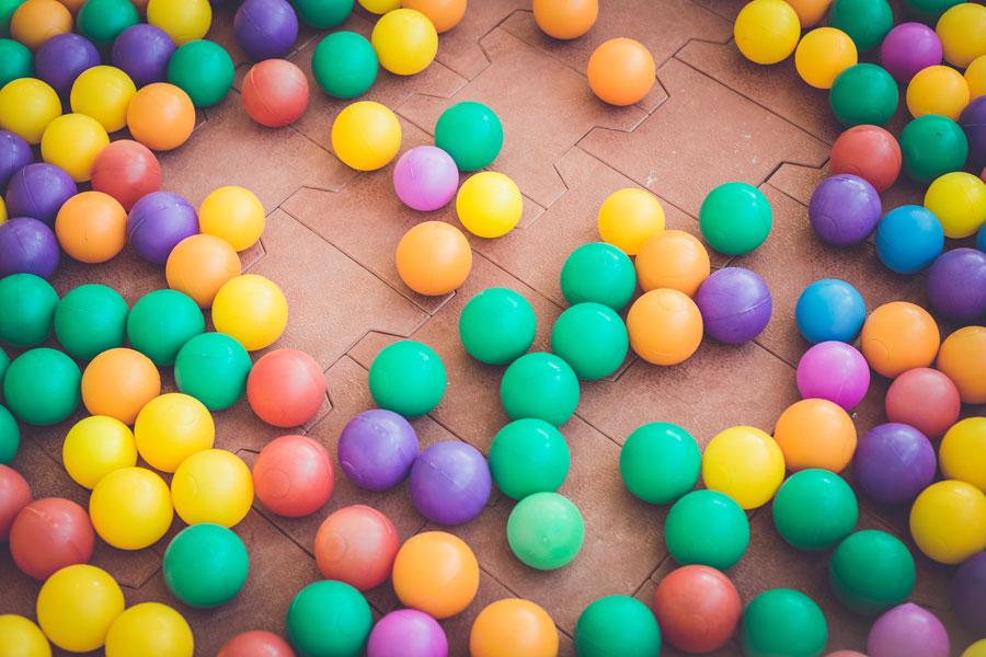 Cómo crear una pelota saltarina. Pasos para hacer una pelota saltarina. Pelota saltarina con masa. Cómo crear una bola saltarina con masa