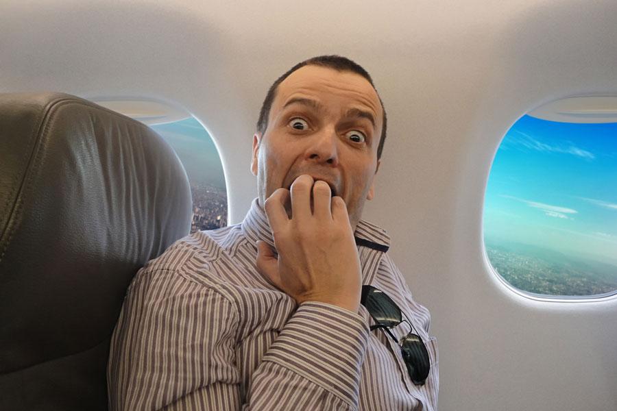 Tips para evitar el miedo a volar. Cómo evitar sentir miedo a viajar en avión. Síntomas y soluciones para evitar el miedo a volar