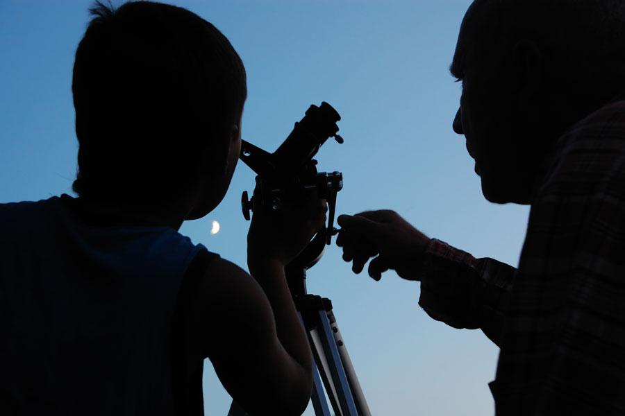 De qué se trata el turismo astronómico? Cómo hacer turismo astronómico en tus vacaciones. Guía para practicar turismo astronómico