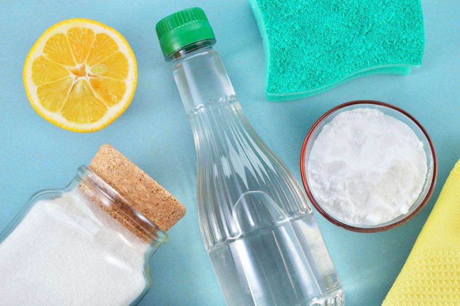 Cómo limpiar las superficies del hogar con limpiadores ecológicos. Ingredientes naturales para limpiar el hogar. Cómo hacer limpiadores ecológicos