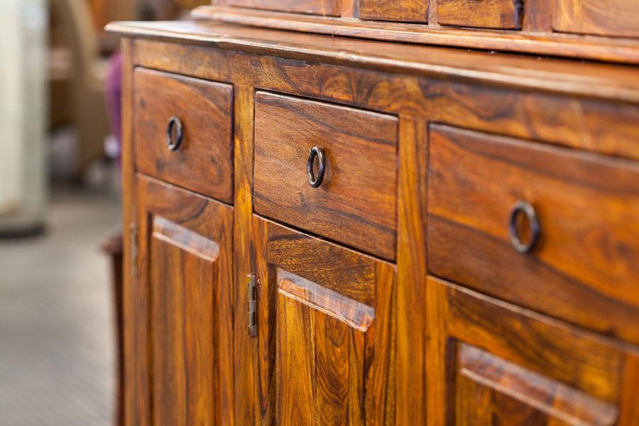 Soluciones naturales para cuidar los muebles de madera. Cómo limpiar las superficies de madera. Trucos para cuidar y limpiar muebles de madera