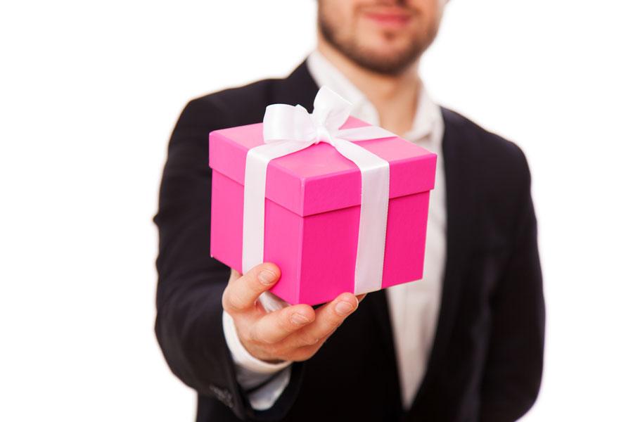 Ideas para hacer regalos a mamá. Qué regalarle a mamá? Cómo elegir un regalo para mamá. Regalos para una mujer en el día de las madres